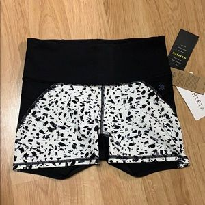 Athleta Stealth Shortie Sz S